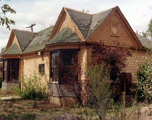 The Miramon-Schlosser House prior to restoration